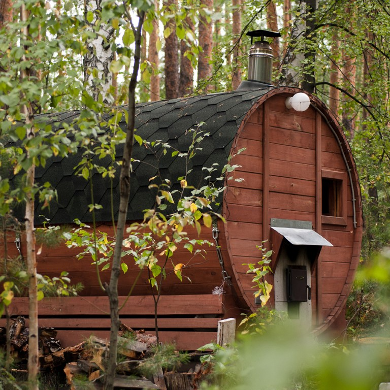 Is a glamping pod or shepherd's hut a building?